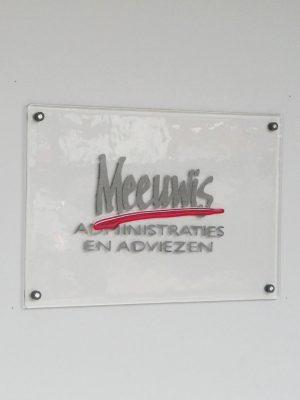 Naambord in opdracht glaskunst